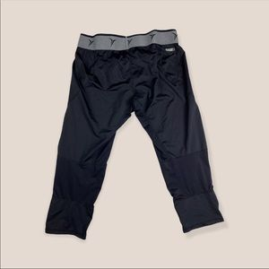 Old Navy Black Cropped Joggers Size S